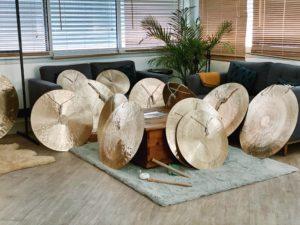 gongs/showroom